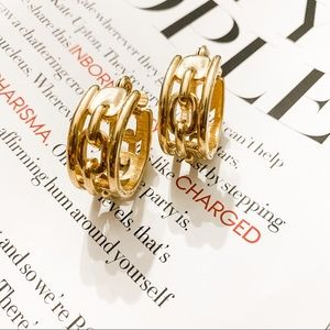 Vintage chain link gold tone hoop earrings